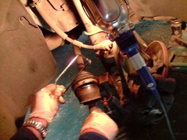 Replacing fiat punto drive shaft boot